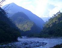 ブータンの渓谷